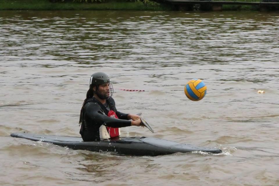 Diniz Mbure é um dos atletas que representara o Brasil no mundial de Caiaque Polo/ Foto: Reprodução