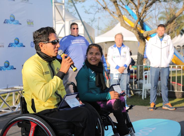 Atletas que disputaram a Paralimpíada foram homenageados